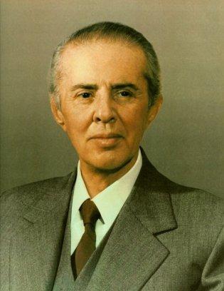 enver-hoxha-portrait