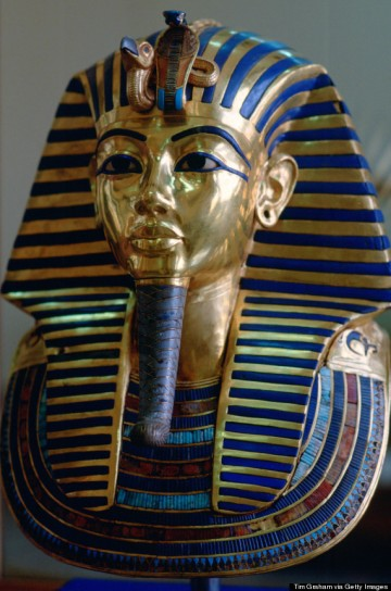 EGYPT - JANUARY 01:  The mask of King Tutankhamun displayed in the Cairo Museum, Egypt.  (Photo by Tim Graham/Getty Images)